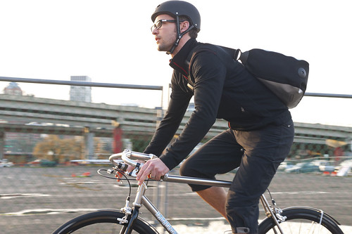 m fw11 gtcm ls commute zip thru ib4b59001 WEB