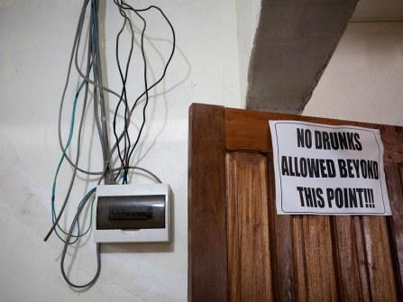 20110807_liberia_church_519.jpg