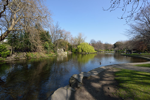 The pond in Stephen's Green, Dublin by wynnert