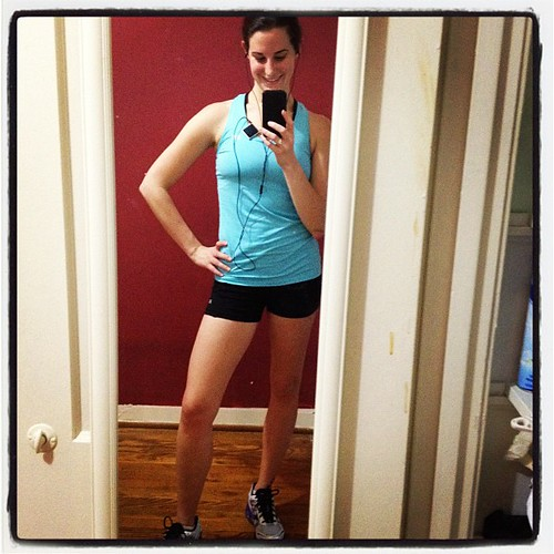 Oh you know just a five miler with no knee pain! Cue the happy dance! #fitfluential #proof