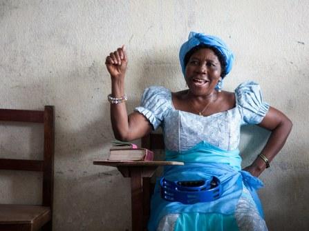 20110807_liberia_church_040.jpg