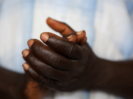 20110807_liberia_church_123.jpg