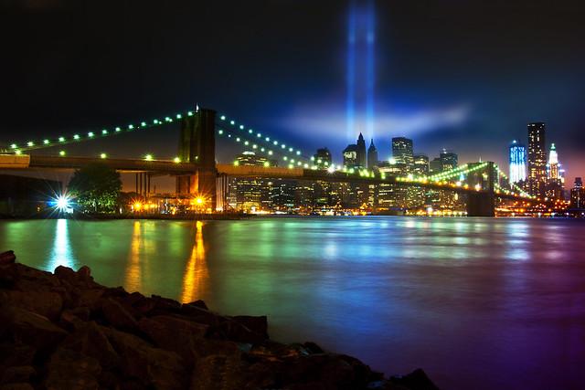 Tribute in Light por Moniza*