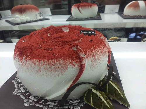 rose cake @ Tous Les Jours