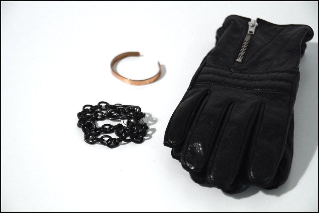 Tuukka13 - New Bracelets and Leather Gloves with Zipper Details - 8