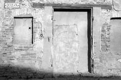 La porta murata due volte