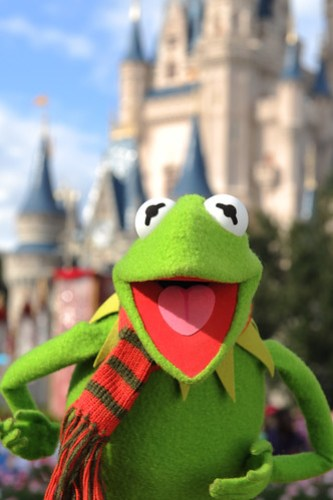 KERMIT THE FROG STARS IN DISNEY PARKS CHRISTMAS DAY PARADE TV SPECIAL