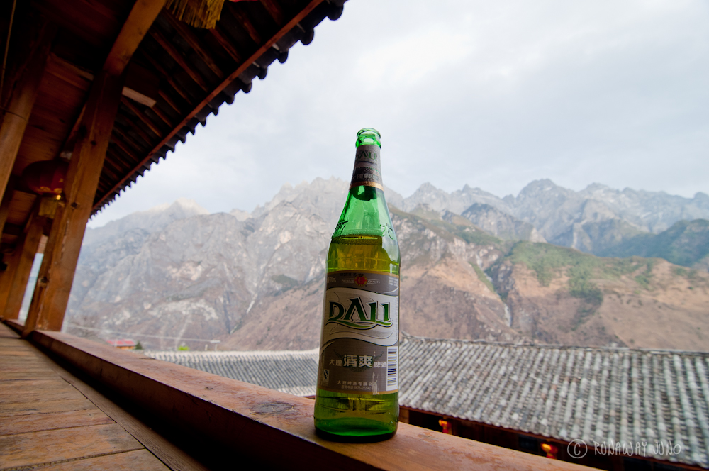 Drinking Dali Beer with the view of Tiger Leaping Gorge