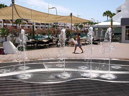 Fountain, Parque Santiago IV, Playa de Las Américas