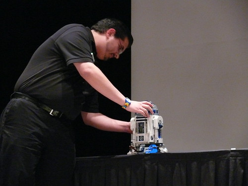 BBTB 2012: Opening Ceremony: Kevin Hinkle and R2-D2 3