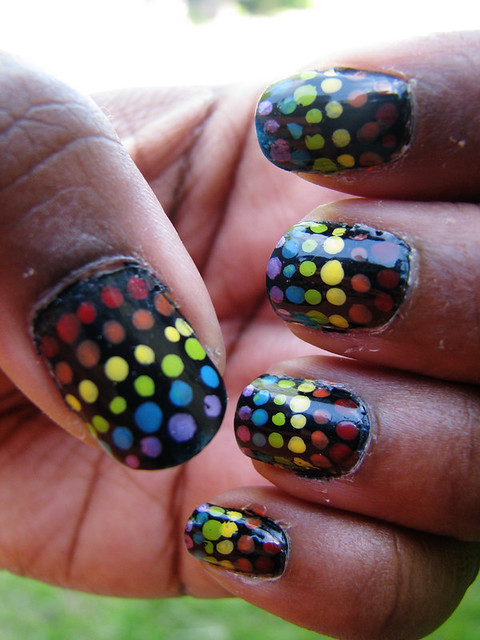 nail art - black nails with rainbow dots