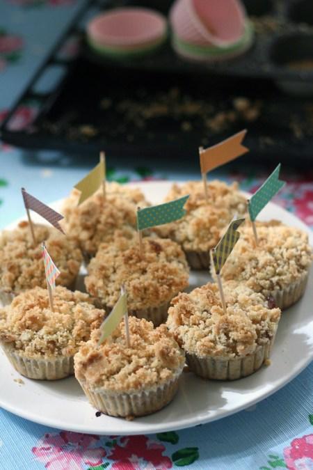 rhabarber-muffins mit marzipan