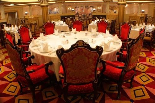 Royal Court restaurant - Disney Fantasy