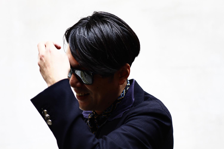 2012_06 Tuukka Laurila Paris Mens Fashion Week Street Style - Blue Jacket, Pattern Scarf Around Neck and Mirror Sunglasses2