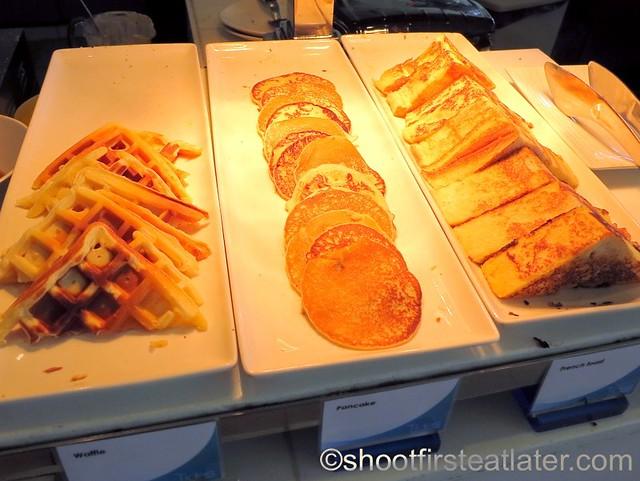 Shangri-La Mactan breakfast buffet at Tides-007