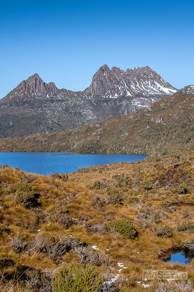 Cradle Mountain in all its stunning glory rising up from Dove Lake.