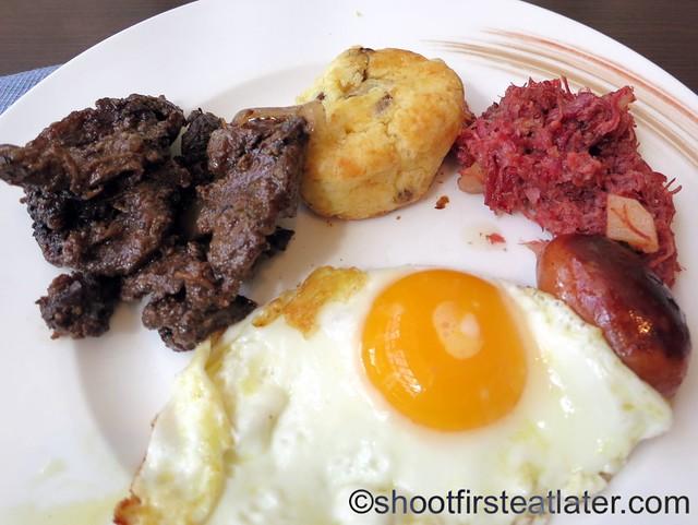 breakfast buffet at Acqua, Shangri-La Mactan-009