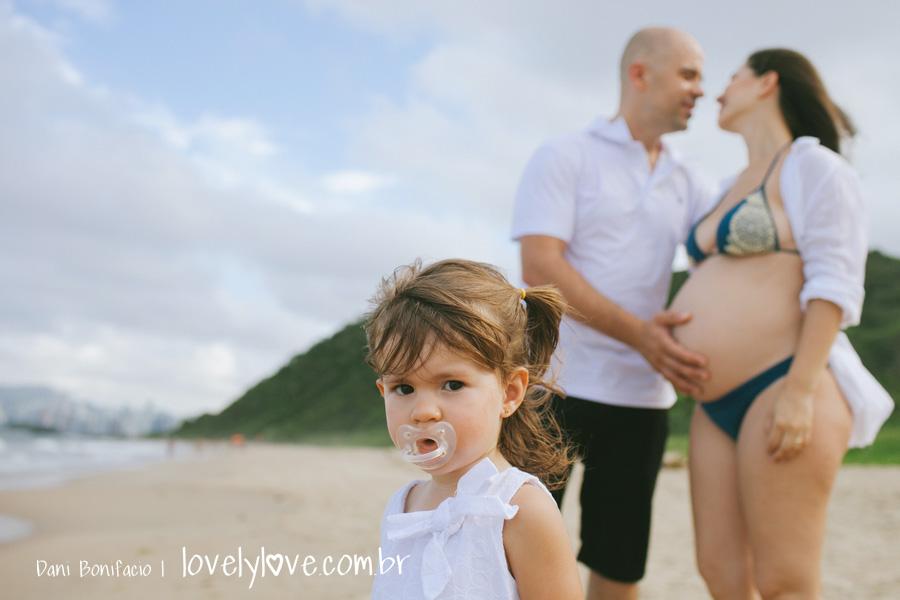 danibonifacio-lovelylove-fotografia-gestante-gravida-praia-ensaio-foto-book-balneariocamboriu-familia-infinityblue-6