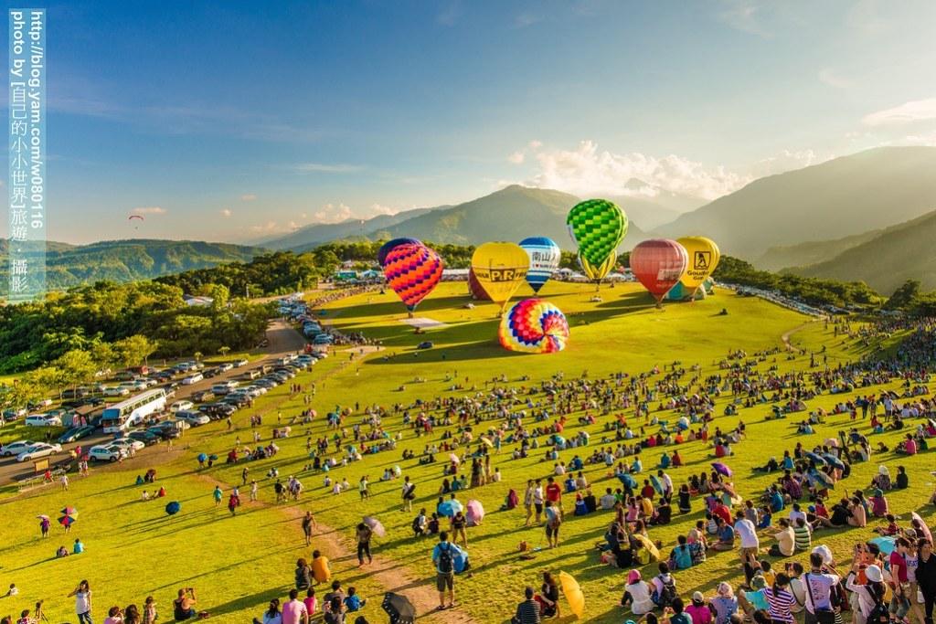 除了白天的热气球体验,如果时间许可,我非常推荐一定要看晚上的热气