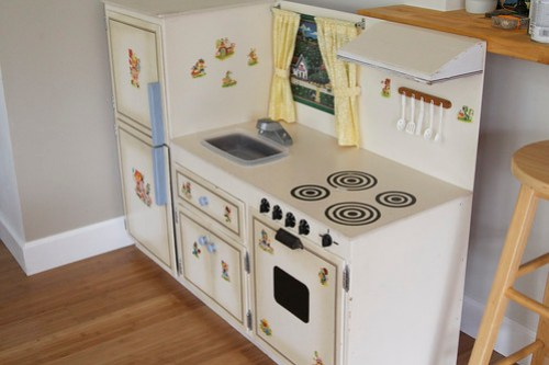 play kitchen, side view