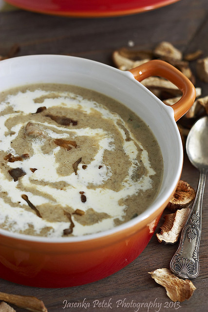 Spicy mushroom soup