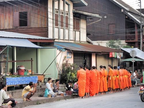 Spendenzeremonie in Luang Prabang