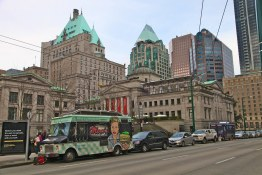 Food Truck / Iconic CP Building