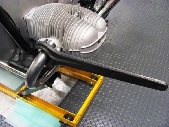 Tightening Exhaust Header Nut