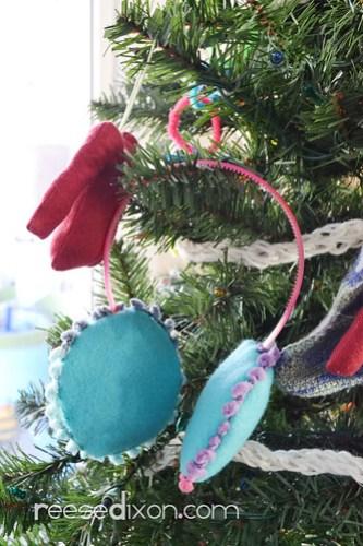 Earmuff Ornament Tutorial