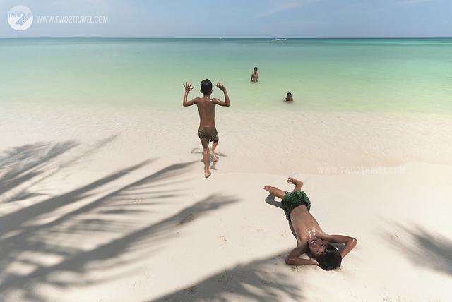 Diniwid Beach, Boracay, Philippines - by www.Two2Travel.com