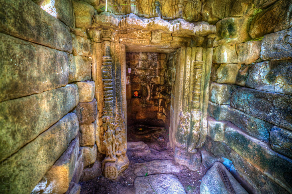 Inside the temple, at the Lonar lake