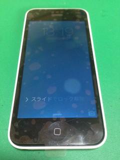 82_iPhone5Cのフロントパネルガラス割れ