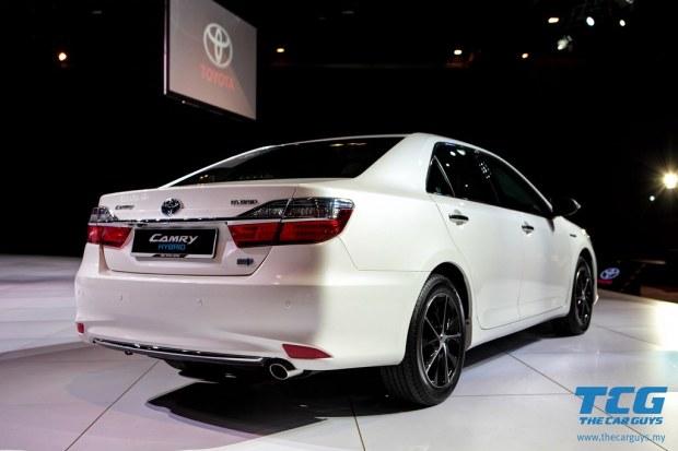 2015 Toyota Camry (13)