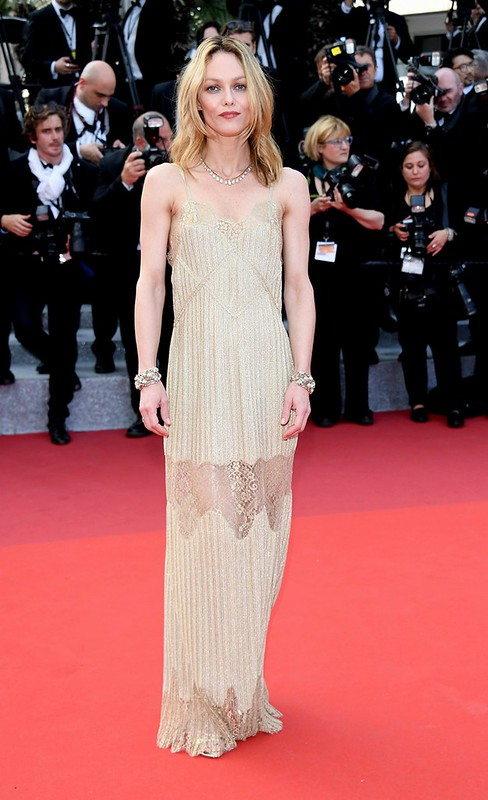 ss08-Vanessa-Paradis-cannes-red-carpet-best-dressed-2016-day-8
