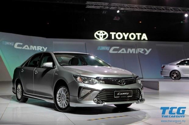 2015 Toyota Camry (4)
