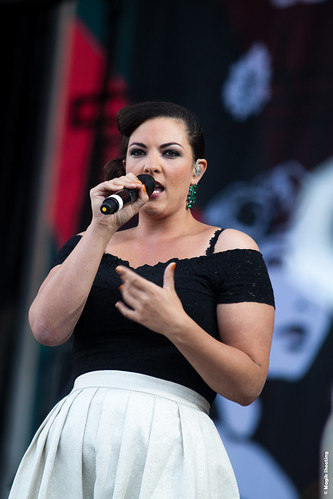 """Caro Emerald-11 • <a style=""""font-size:0.8em;"""" href=""""http://www.flickr.com/photos/118602681@N02/7939568174/"""" target=""""_blank"""">View on Flickr</a>"""