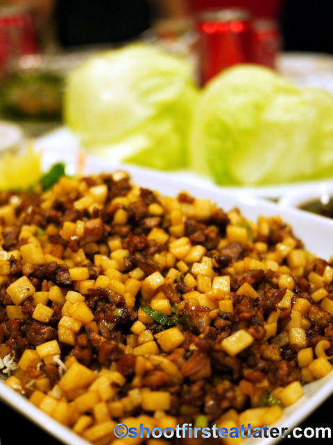 minced duck with lettuce