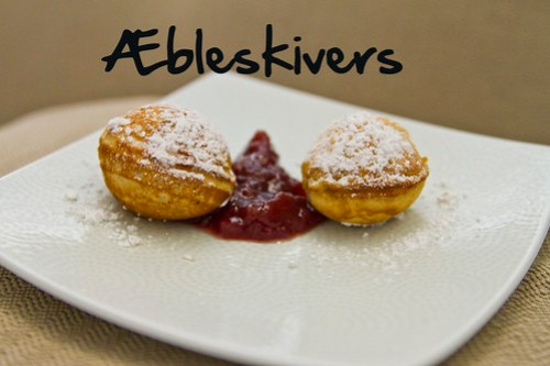 Æbleskivers with jam