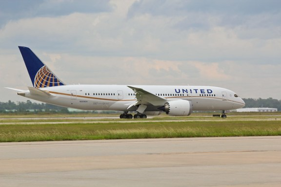 The United Boeing 787 Arrives in Houston