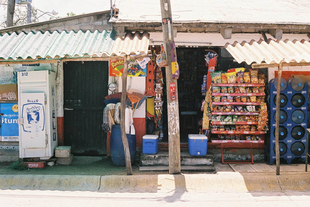 Tuukka13 - 35mm Color Film - 08/2012 - Sayulita, Mexico - Canon AE-1  - 000057