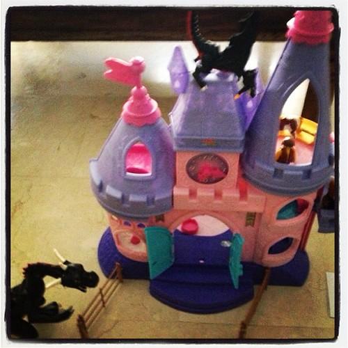 Los dragones han tomado el castillo de las princesas, habrá que llamar a@los caballeros a que las rescaten