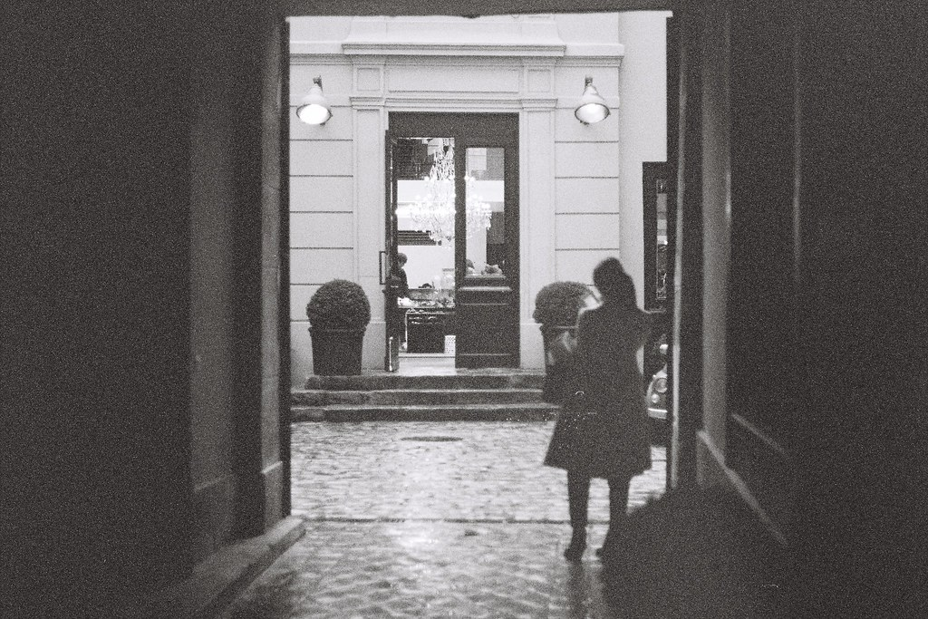 Tuukka13 - 35mm Film - 10/2012 - Paris, France - Canon AE-1 & Kodak BW400CN