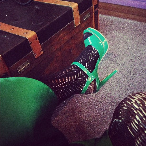 Dear @2princessmama thx for giving me a reason to wear #sexygreenshoes at 8am on a Wednesday.
