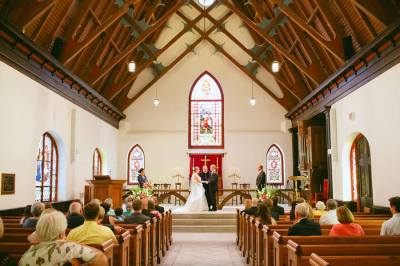 A St. Luke's Chapel wedding in Charleston, South Carolina