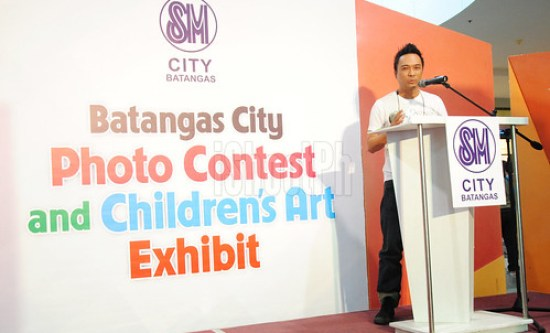 Juan Manila shares inspirational message for the contestants of Batangas City Photo Contest and Children's Art Exhibit 2013.