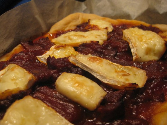 Barbecue Brie Pizza
