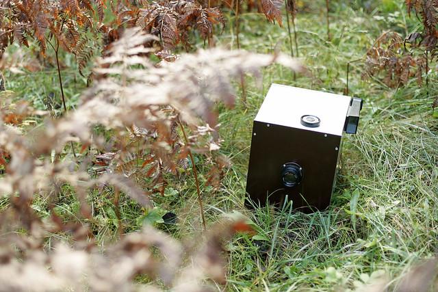 18x24cm paper-negative box-camera