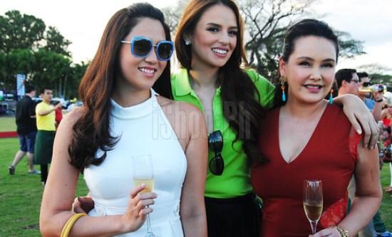 The beauties Cristalle Belo Henares, Georgina Wilson, and FILA CEO Cris Albert.