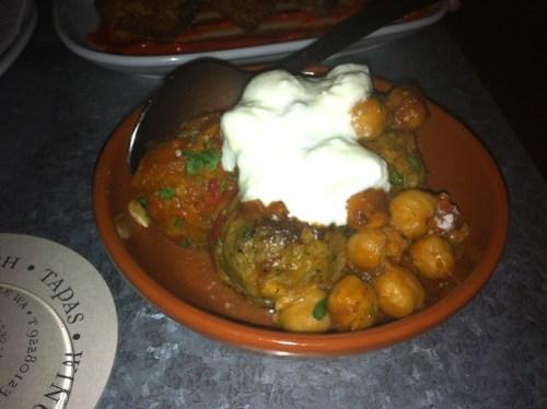 Meatballs & chickpeas