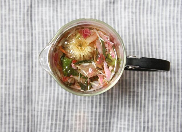 tea no. 104  - chrysanthemum, white tea, and rose petals - chambre de sucre
